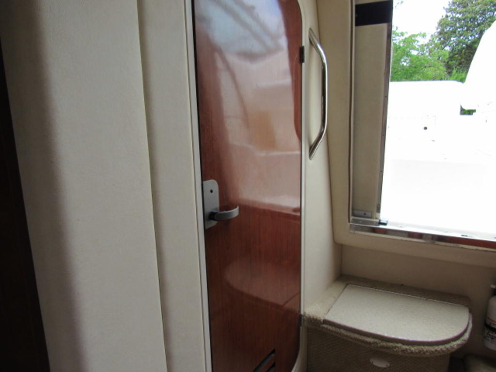 2006 Sea Ray boat for sale, model of the boat is 270 Amberjack & Image # 34 of 48