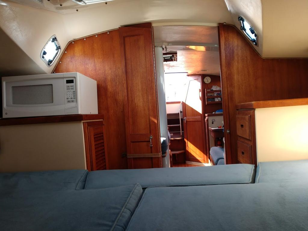 1987 Catalina Yachts Cruiser Series boat for sale, model of the boat is C-34 & Image # 5 of 11