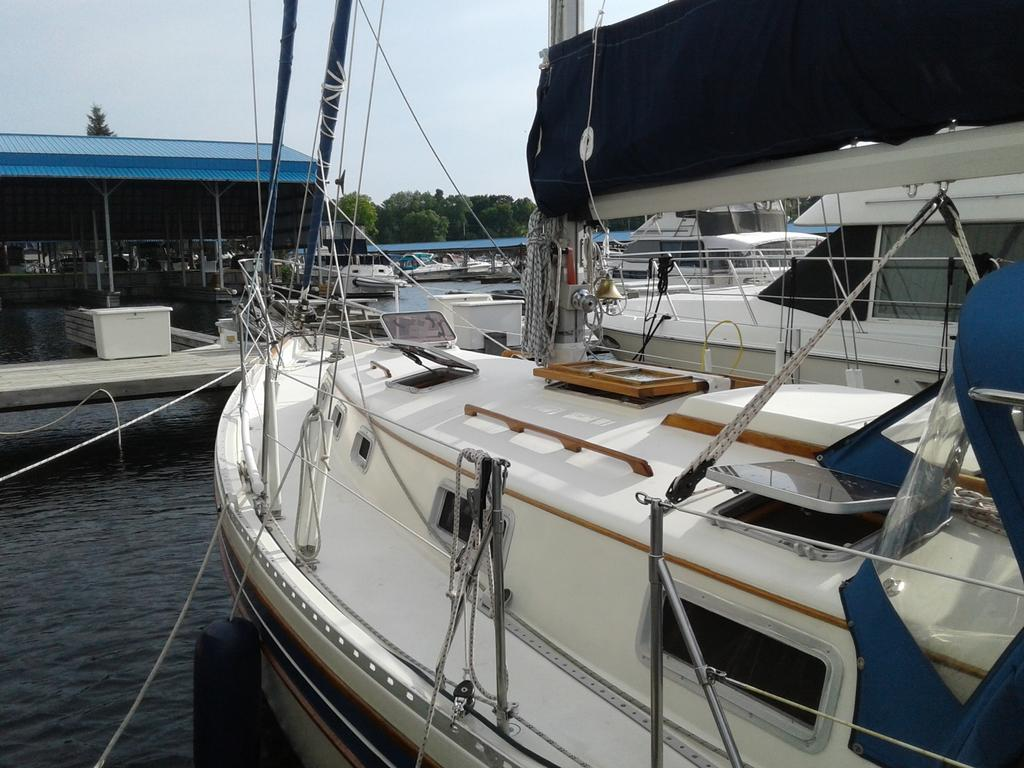 1986 Bayfield Yachts boat for sale, model of the boat is 36 & Image # 8 of 17