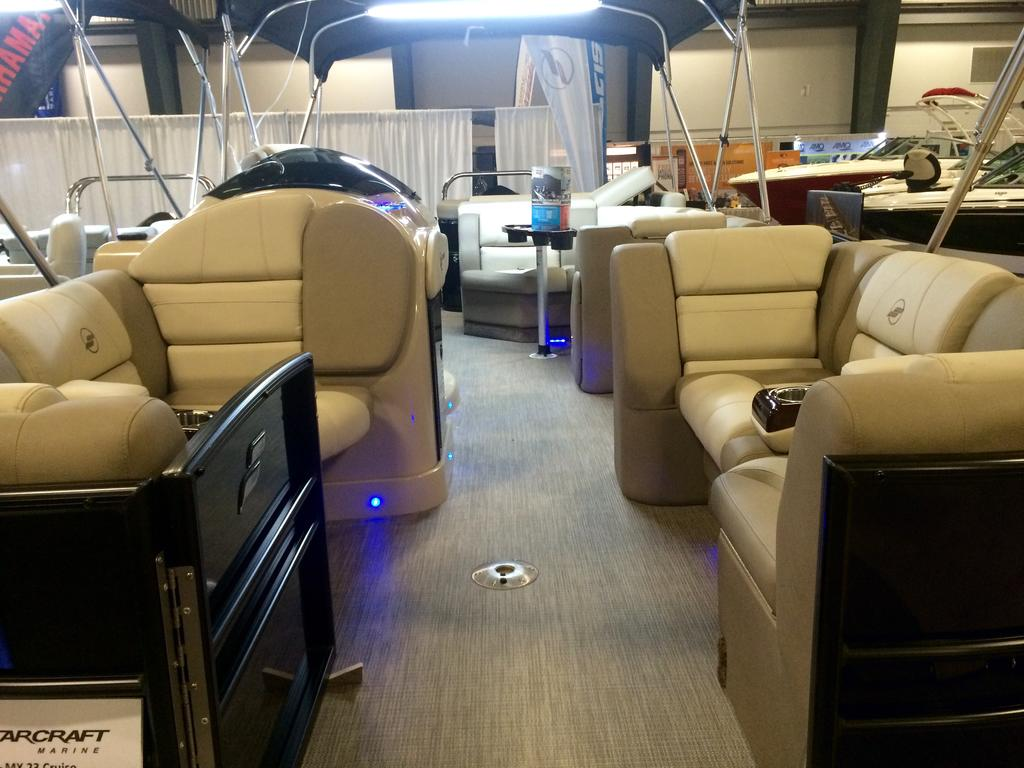 2016 Starcraft boat for sale, model of the boat is MX 23 C & Image # 3 of 13