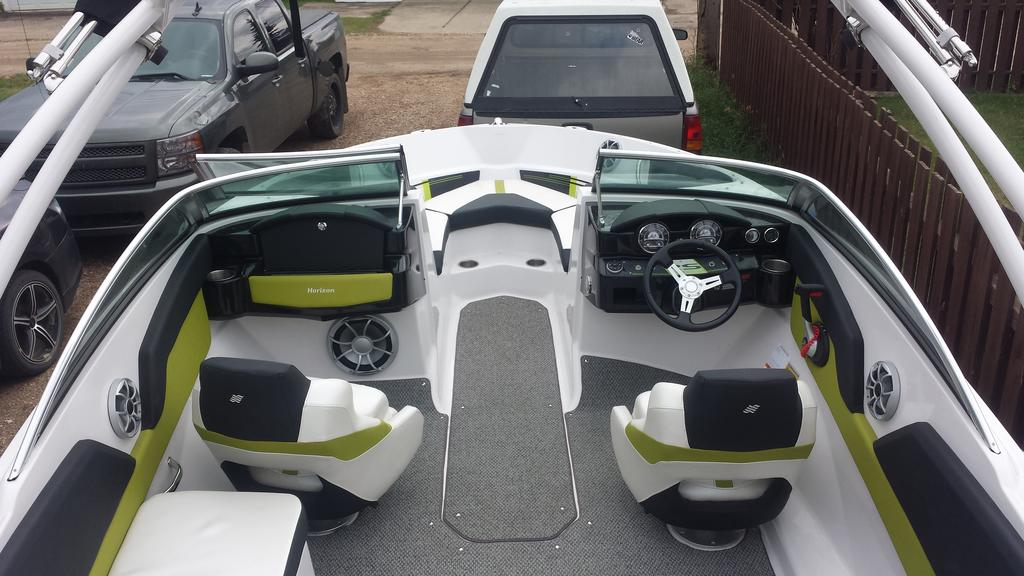 2014 Four Winns boat for sale, model of the boat is RS Series H200 RS & Image # 4 of 10