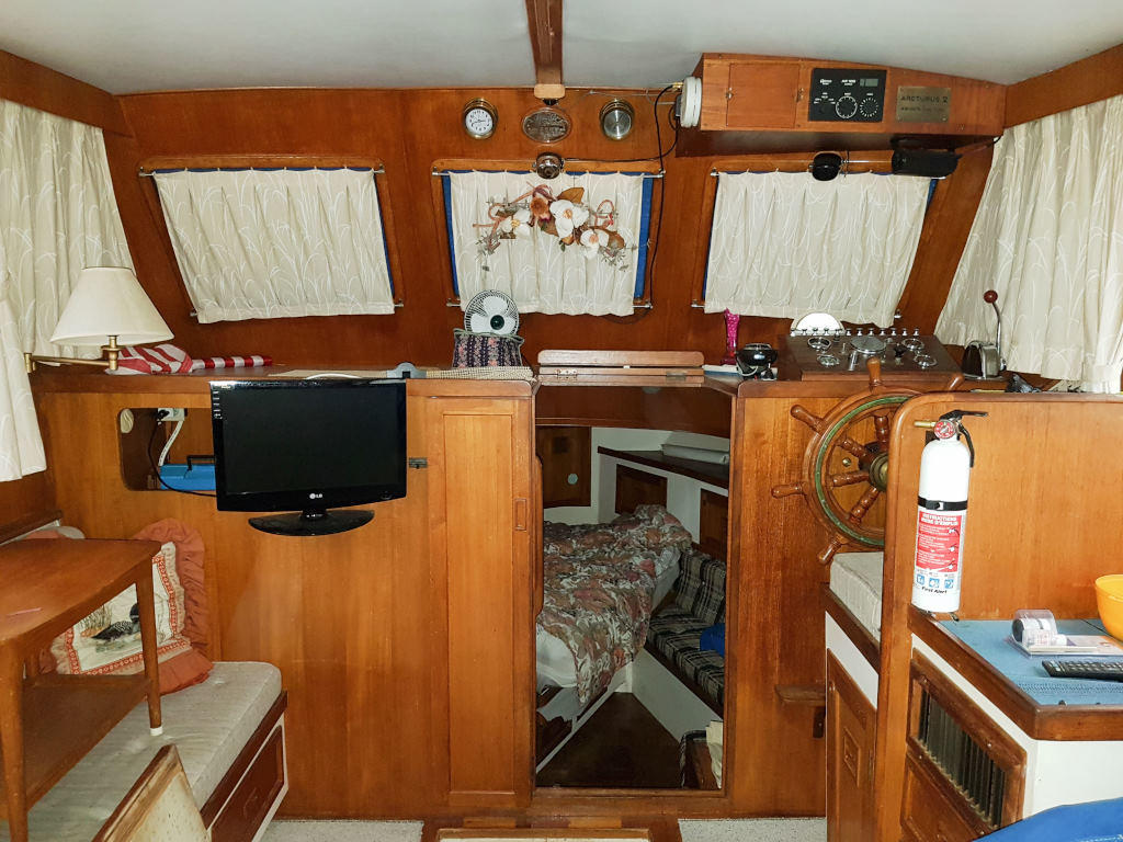 1980 Cheoy Lee boat for sale, model of the boat is 35 Sedan Trawler & Image # 10 of 18