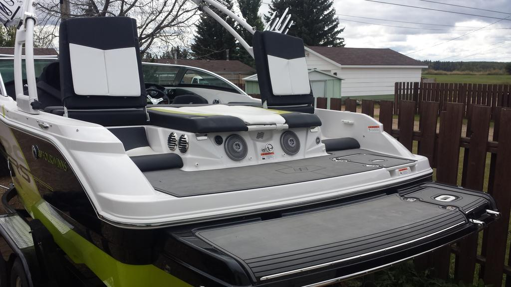 2014 Four Winns boat for sale, model of the boat is RS Series H200 RS & Image # 3 of 10