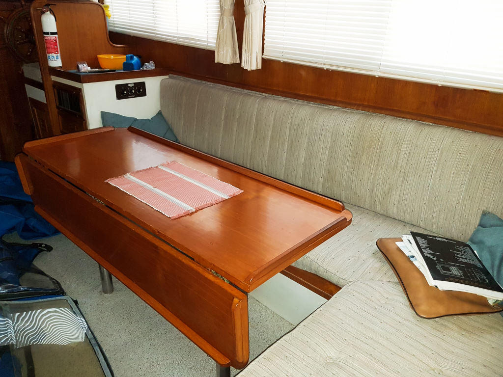 1980 Cheoy Lee boat for sale, model of the boat is 35 Sedan Trawler & Image # 9 of 18