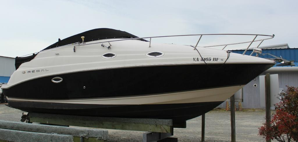 2005 Regal boat for sale, model of the boat is 2665 & Image # 1 of 1