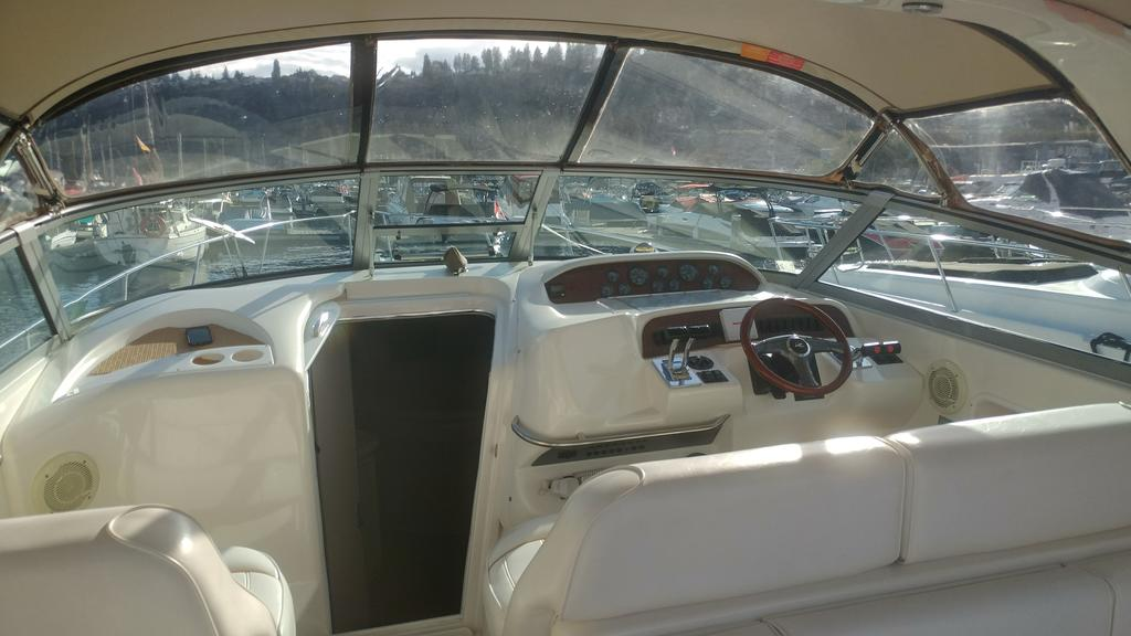 1996 Sea Ray boat for sale, model of the boat is 330 Sundancer DA & Image # 15 of 15