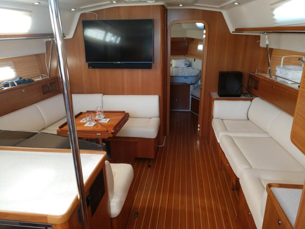 2017 Catalina Yachts Cruiser Series boat for sale, model of the boat is 425 & Image # 5 of 11
