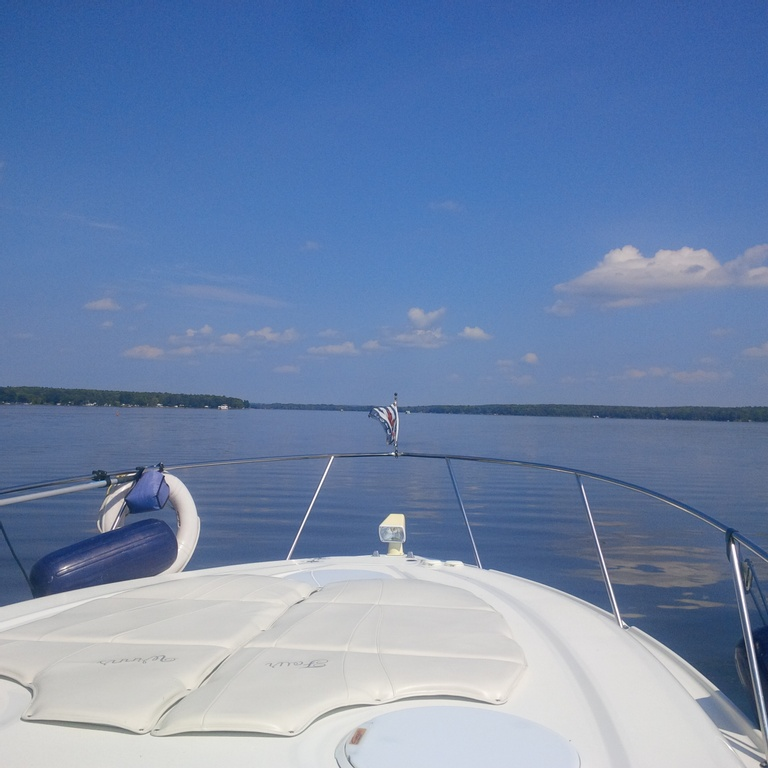 2001 Four Winns boat for sale, model of the boat is 328 Vusta & Image # 4 of 23