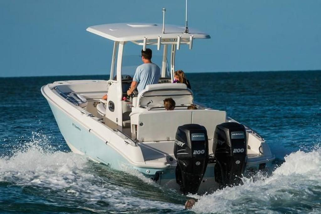 2019 Boston Whaler boat for sale, model of the boat is 270 Dauntless & Image # 2 of 4