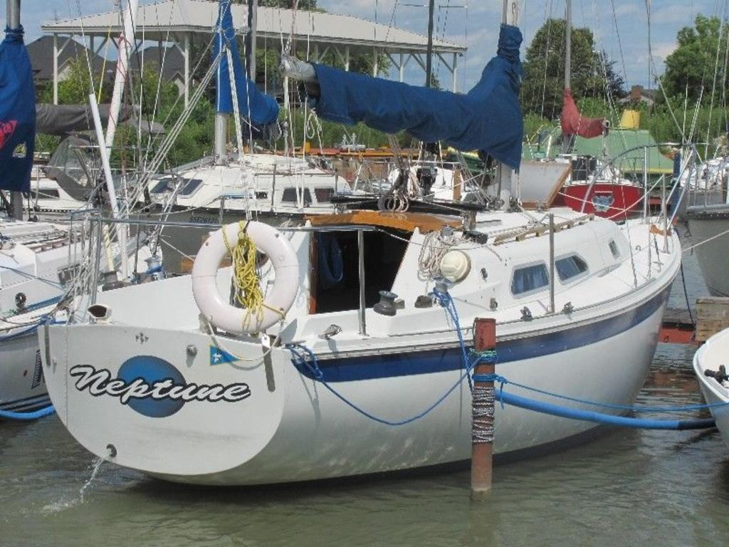 1974 Ericson boat for sale, model of the boat is Ericson 27 & Image # 4 of 8