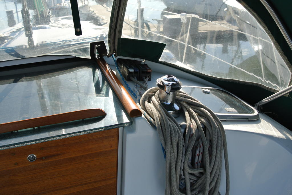 1998 Beneteau boat for sale, model of the boat is Oceanis 321 & Image # 13 of 18