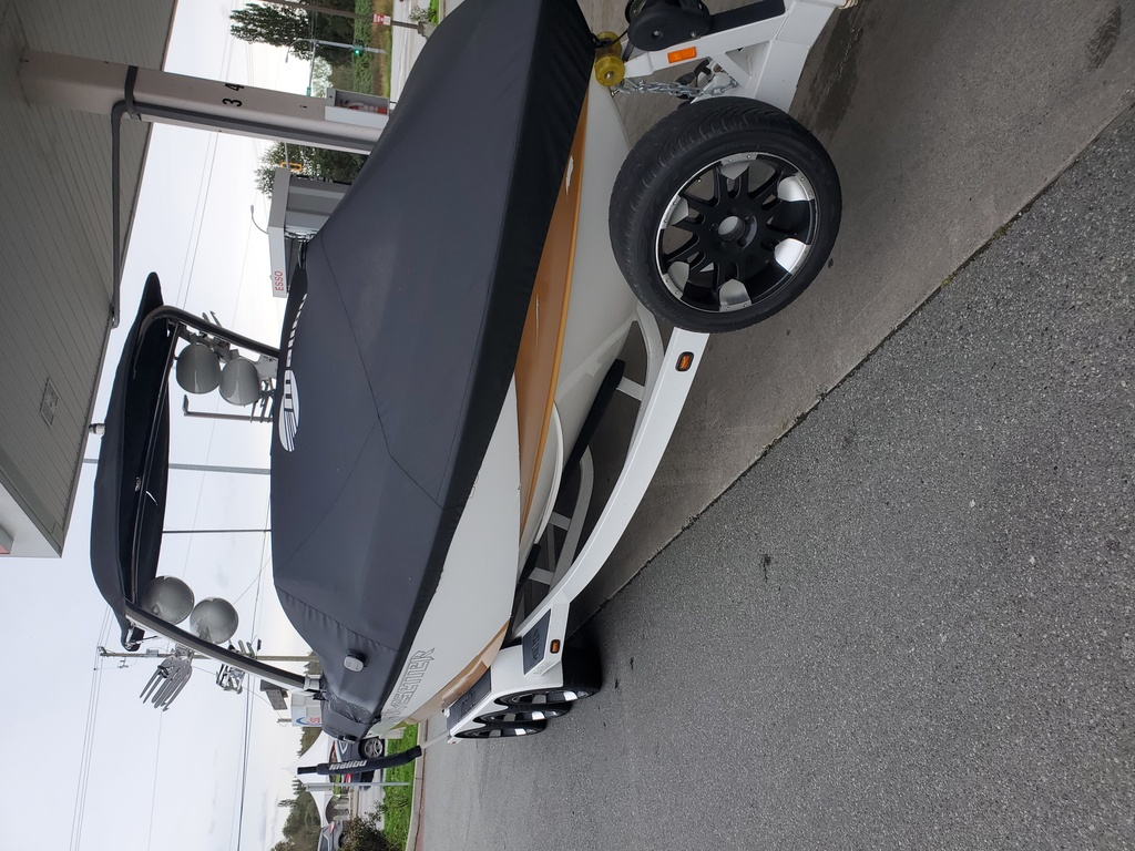 2011 Malibu boat for sale, model of the boat is Wakesetter 247 LSV & Image # 17 of 20
