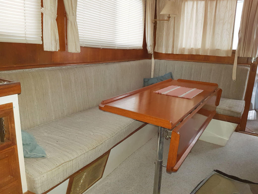 1980 Cheoy Lee boat for sale, model of the boat is 35 Sedan Trawler & Image # 8 of 18
