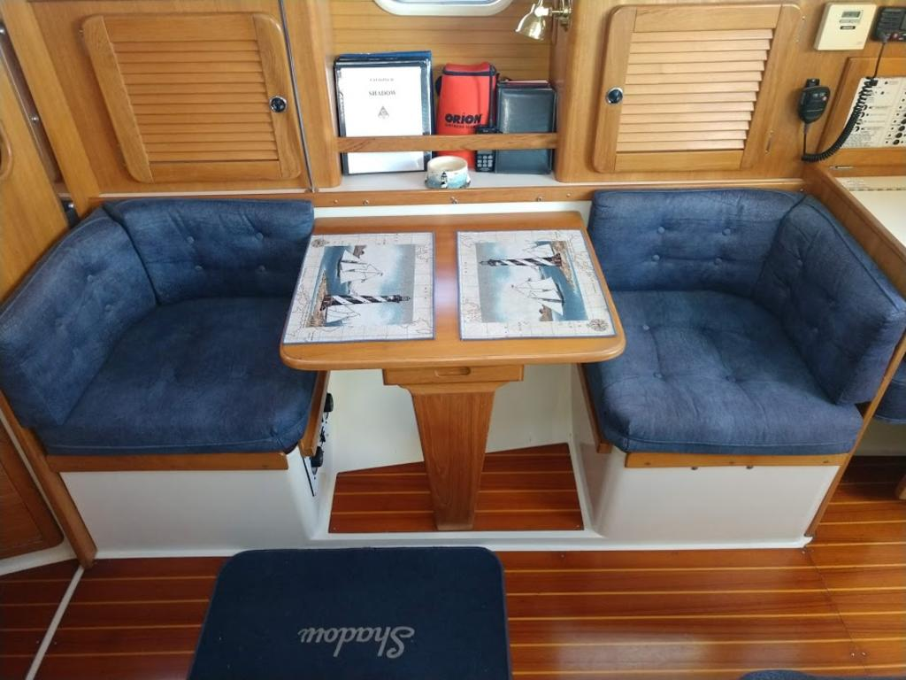 2000 Catalina Yachts Cruiser Series boat for sale, model of the boat is 36 MKII & Image # 3 of 12