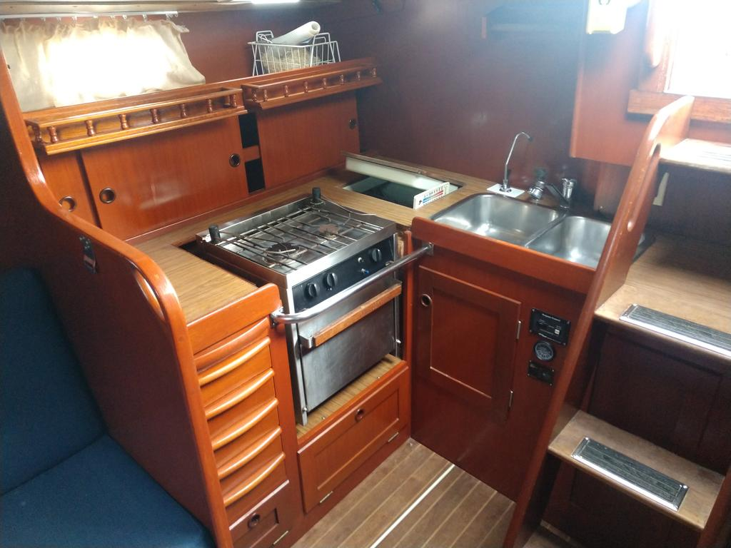 1984 Hallberg-Rassy boat for sale, model of the boat is 38 & Image # 2 of 8