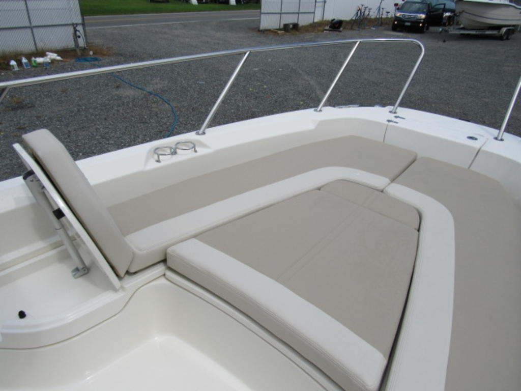2019 Boston Whaler boat for sale, model of the boat is 240 Dauntless & Image # 23 of 27