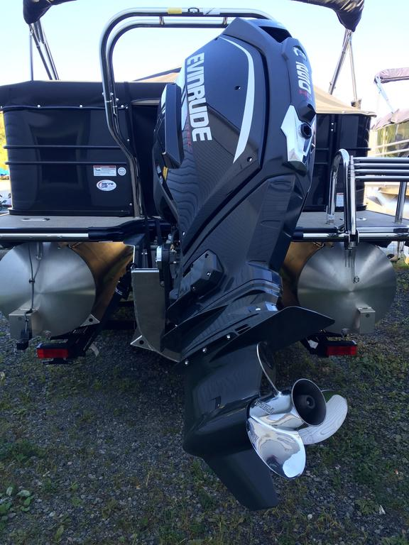 2016 Starcraft boat for sale, model of the boat is MX 23 C & Image # 2 of 13