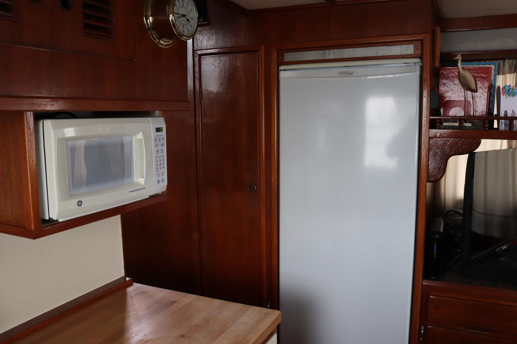 1981 Sea Ranger boat for sale, model of the boat is Pilot House & Image # 15 of 24