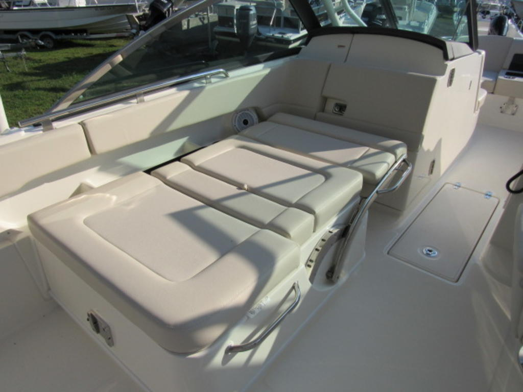 2019 Boston Whaler boat for sale, model of the boat is 270 Vantage & Image # 11 of 22