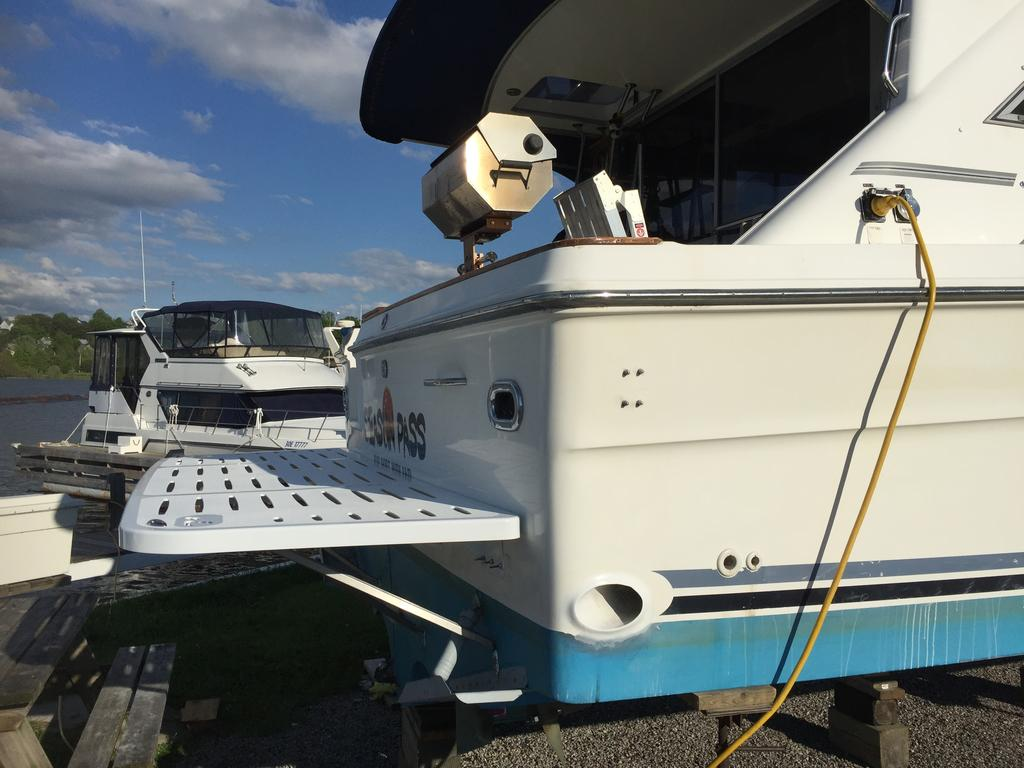 1989 Sea Ray boat for sale, model of the boat is 340 / 345 Sedan Bridge & Image # 47 of 52