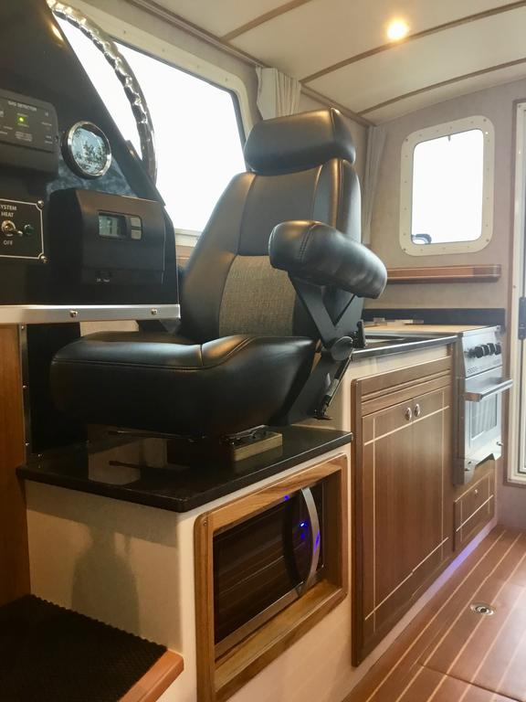 2018 Seasport boat for sale, model of the boat is COMMANDER 2800 & Image # 31 of 156