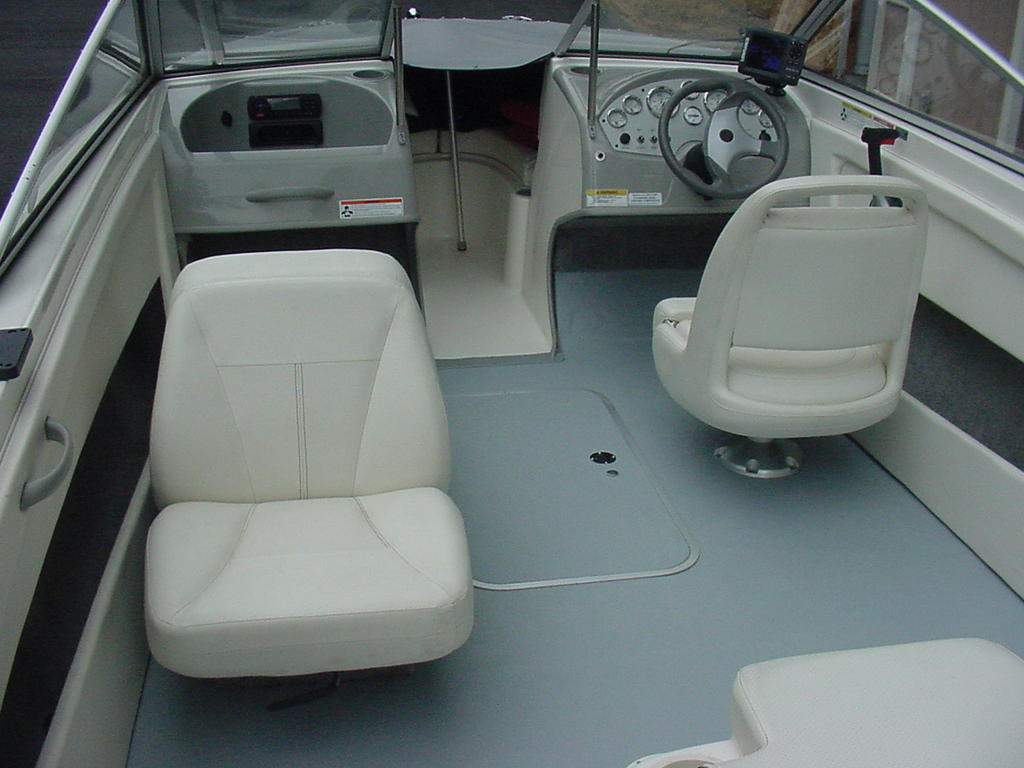 2012 Bayliner boat for sale, model of the boat is Discovery 195 BR & Image # 6 of 16