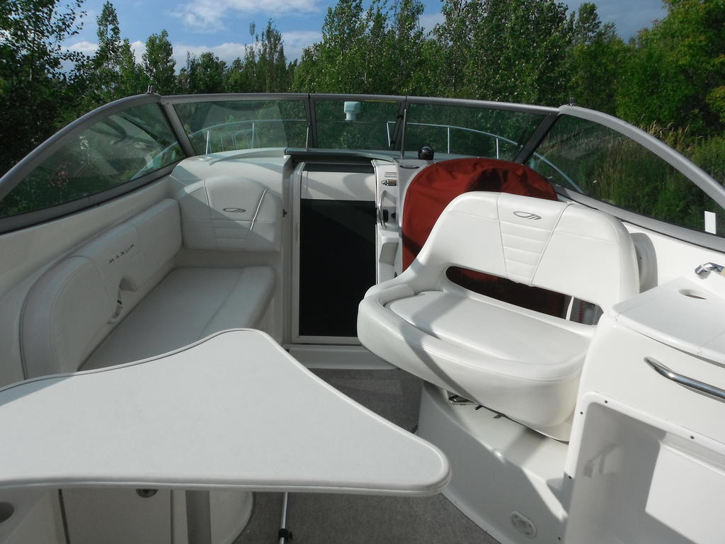 2007 Maxum boat for sale, model of the boat is 2400 se & Image # 3 of 12
