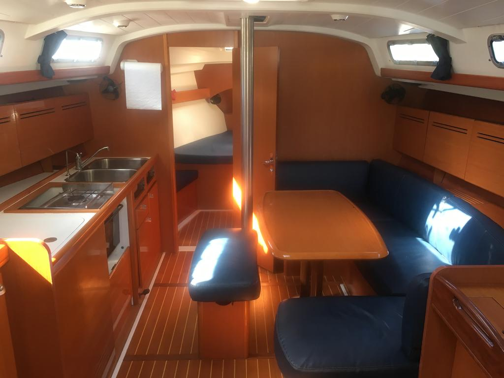 2005 Beneteau boat for sale, model of the boat is Cyclades 43.3 & Image # 2 of 21