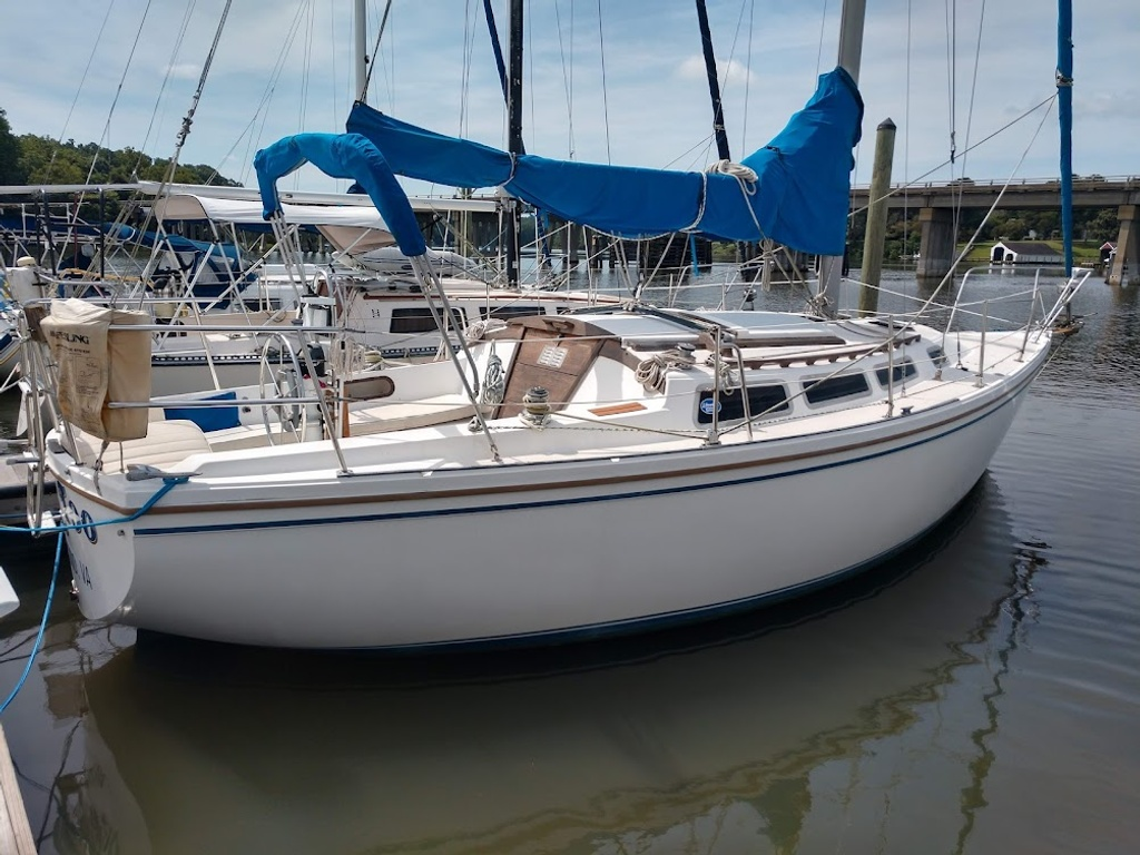 1984 Catalina Yachts Cruiser Series boat for sale, model of the boat is C-30 & Image # 1 of 11