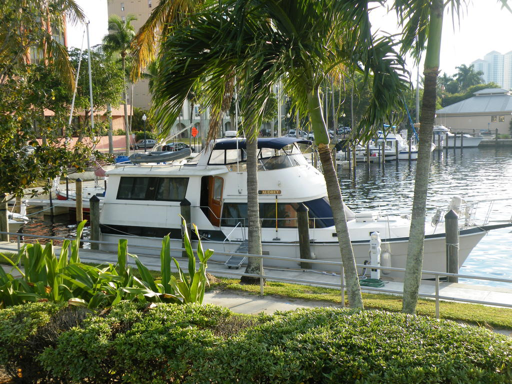 1987 Gulfstar boat for sale, model of the boat is cabin cruser & Image # 12 of 15