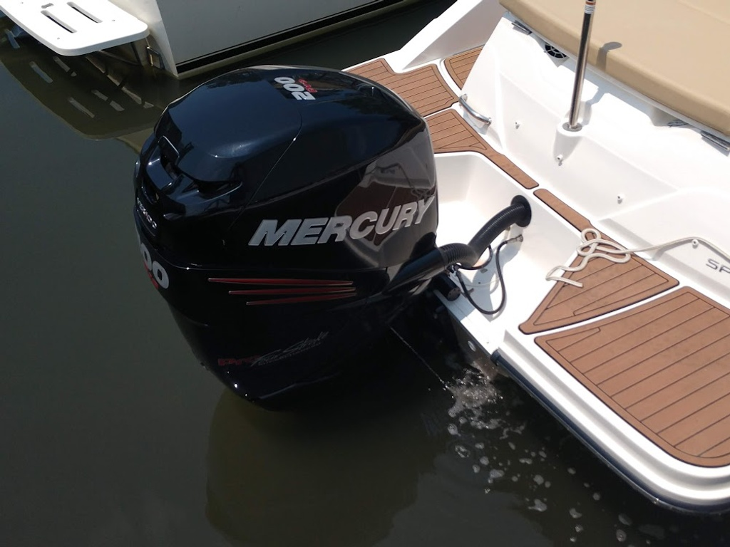 2018 Sea Ray boat for sale, model of the boat is 230 SPXO & Image # 3 of 12