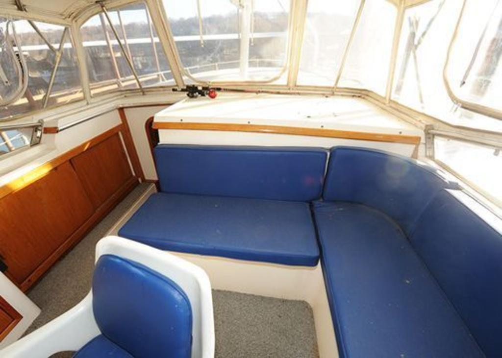1987 Gulfstar boat for sale, model of the boat is cabin cruser & Image # 10 of 15