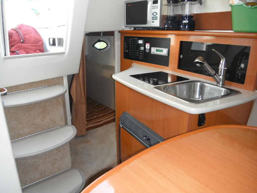 2007 Maxum boat for sale, model of the boat is 2400 se & Image # 9 of 12