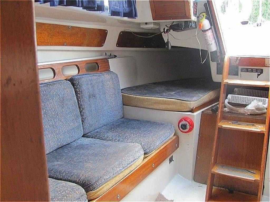 1974 Ericson boat for sale, model of the boat is Ericson 27 & Image # 6 of 8
