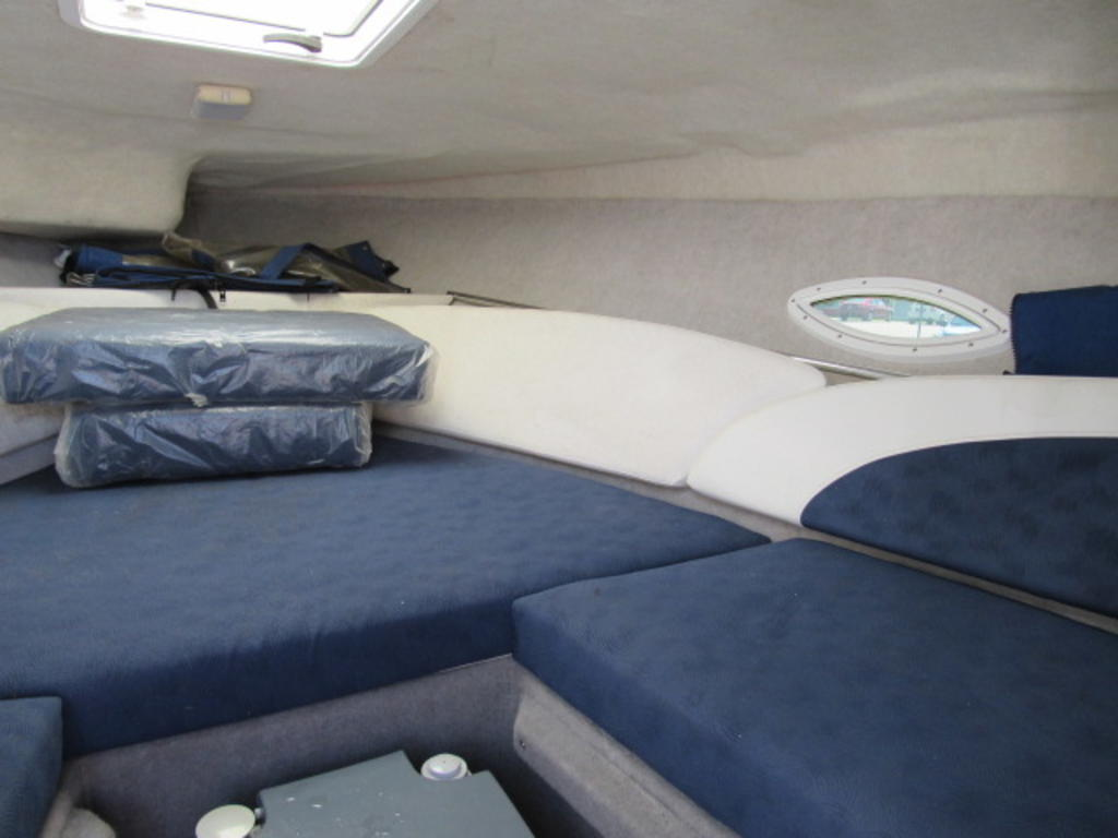 2008 Bayliner boat for sale, model of the boat is 210 Discovery & Image # 10 of 31