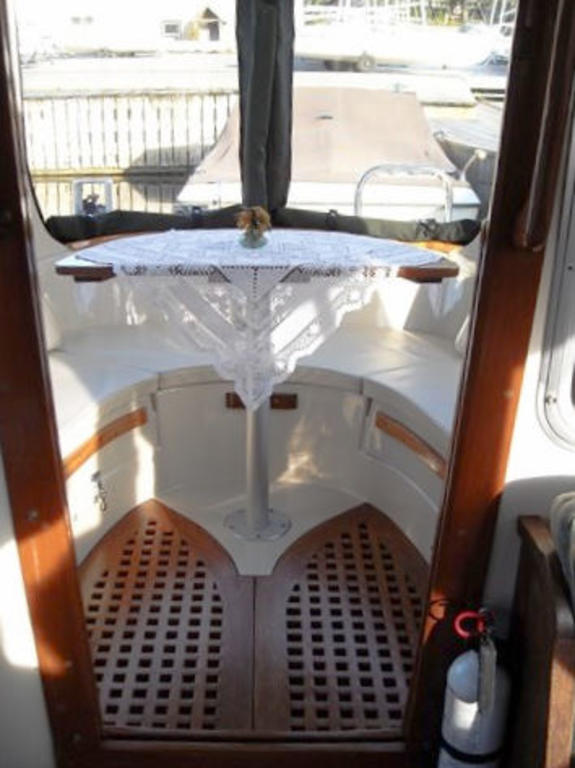 1989 Halman boat for sale, model of the boat is Bluejacket 23 MS Pilothouse & Image # 5 of 10