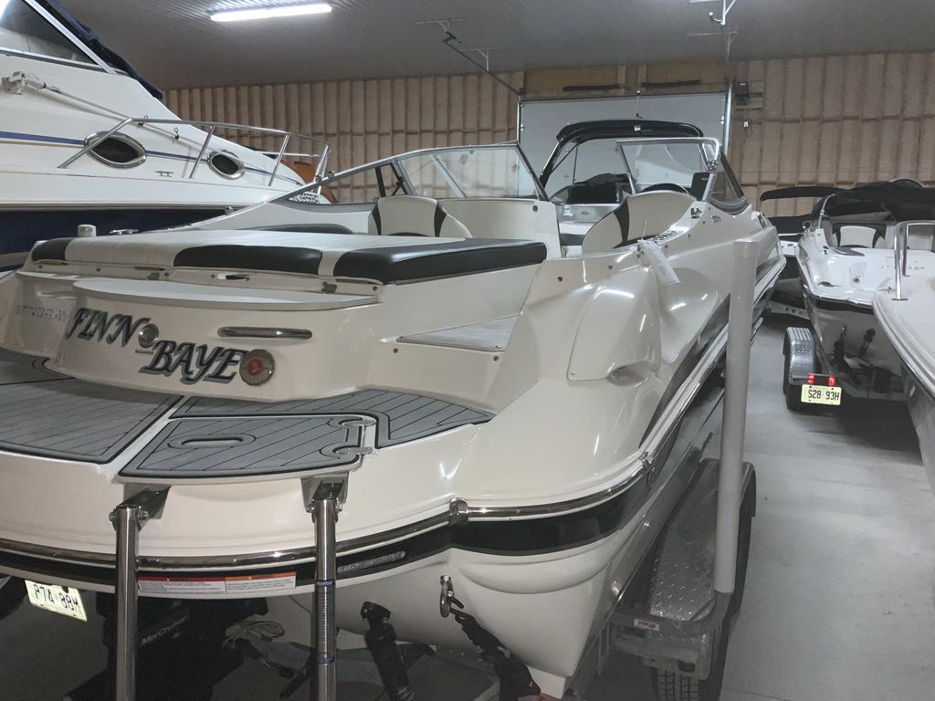 2017 Stingray boat for sale, model of the boat is 215 LR & Image # 11 of 13
