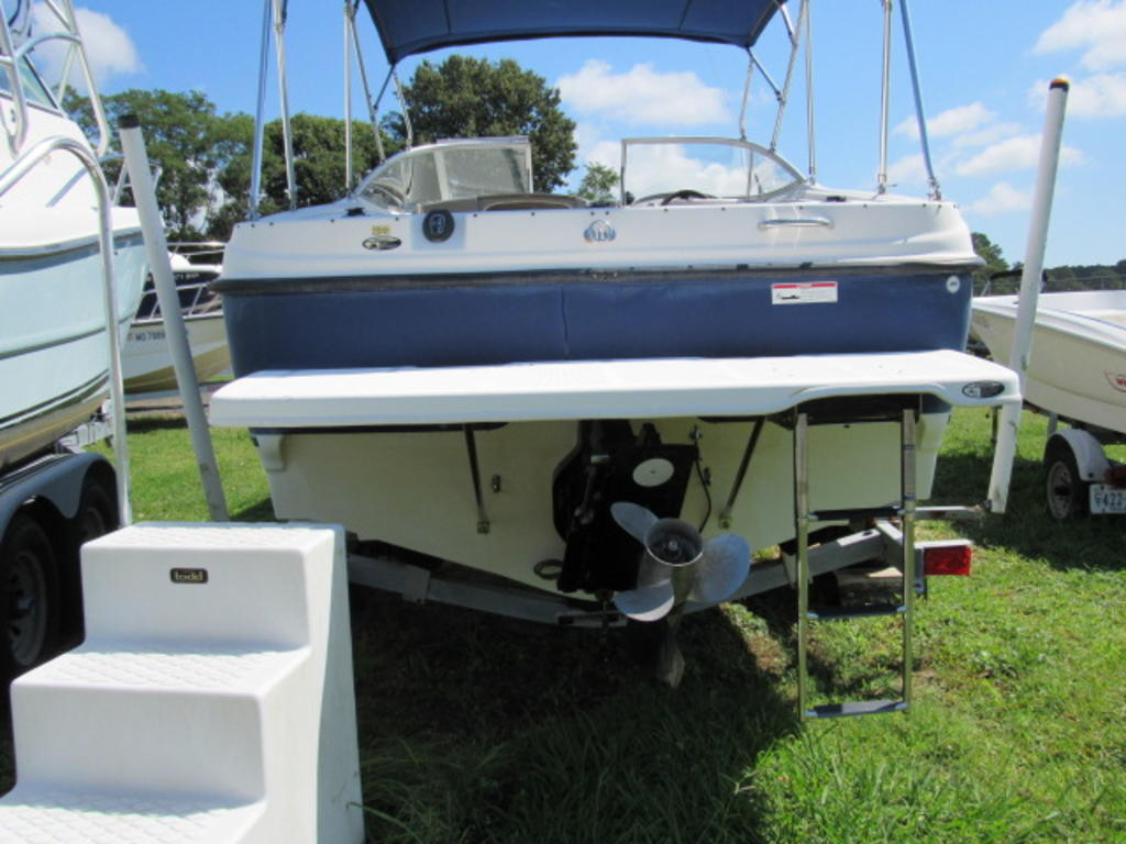2008 Bayliner boat for sale, model of the boat is 210 Discovery & Image # 4 of 31