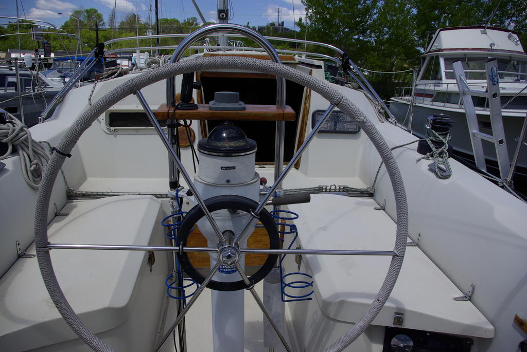 1982 Mirage boat for sale, model of the boat is 33 Sloop & Image # 4 of 15