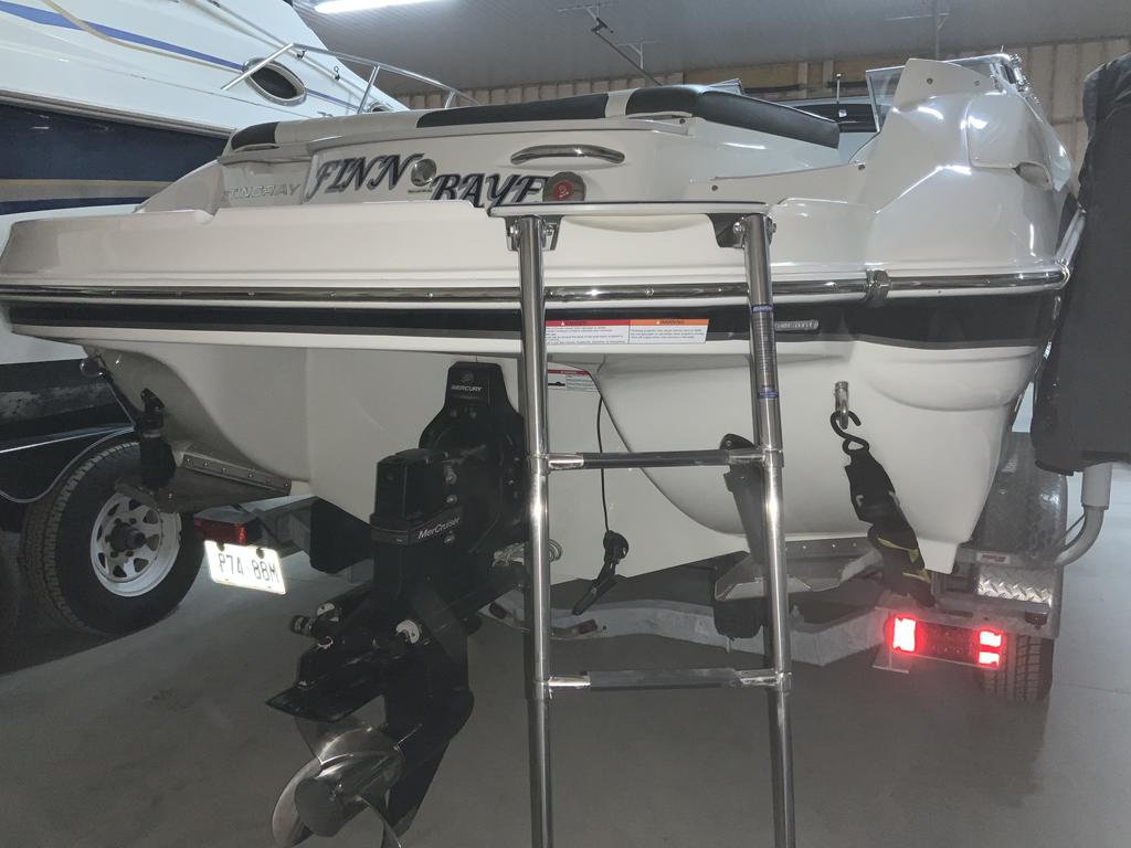 2017 Stingray boat for sale, model of the boat is 215 LR & Image # 12 of 13
