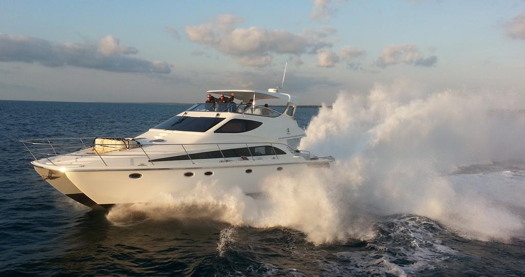 2010 Stealth Yachts boat for sale, model of the boat is Stealth 540 Flybridge & Image # 1 of 1