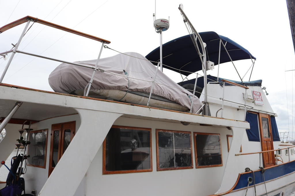 1981 Sea Ranger boat for sale, model of the boat is Pilot House & Image # 1 of 24