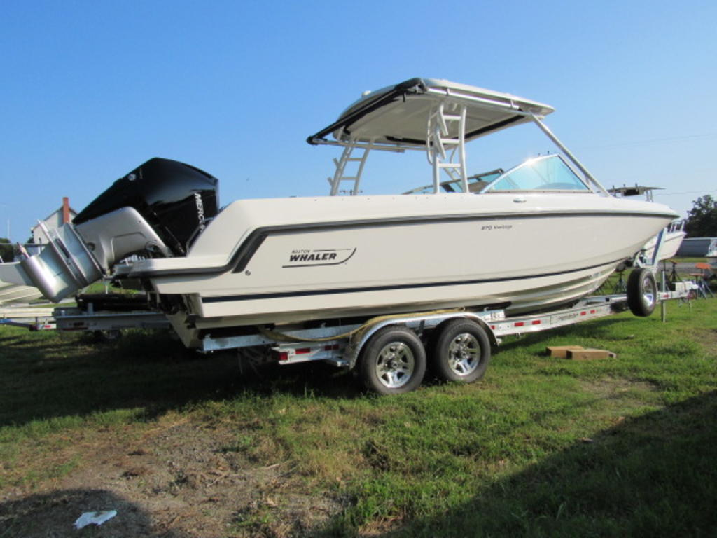 2019 Boston Whaler boat for sale, model of the boat is 270 Vantage & Image # 4 of 22