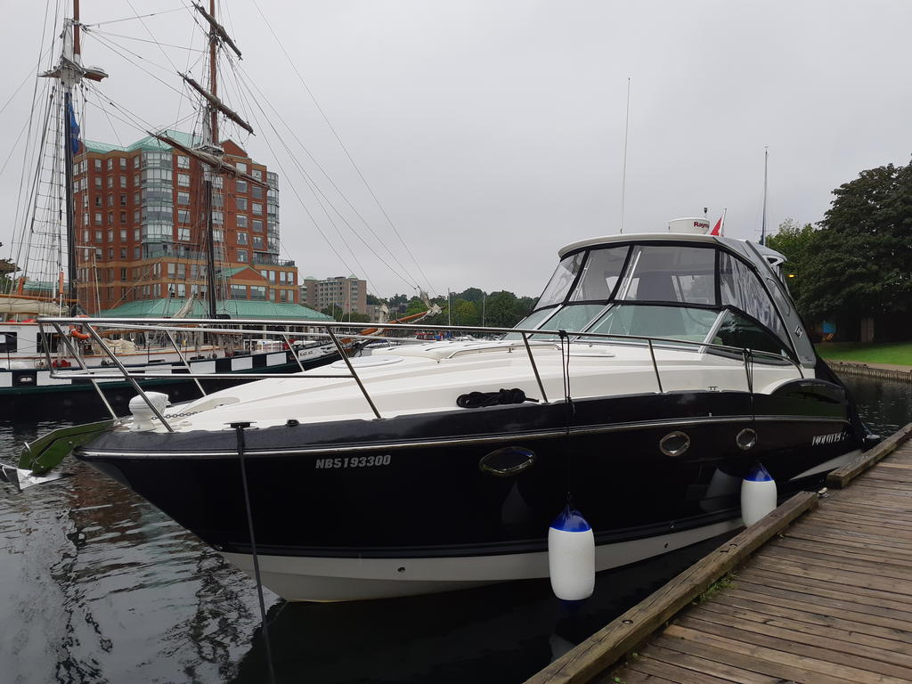 2015 Monterey boat for sale, model of the boat is 355SY & Image # 5 of 10