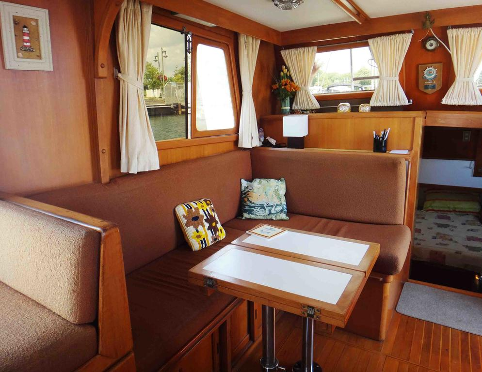 1986 Sea Lord boat for sale, model of the boat is 34 Double Cabin Trawler & Image # 4 of 10