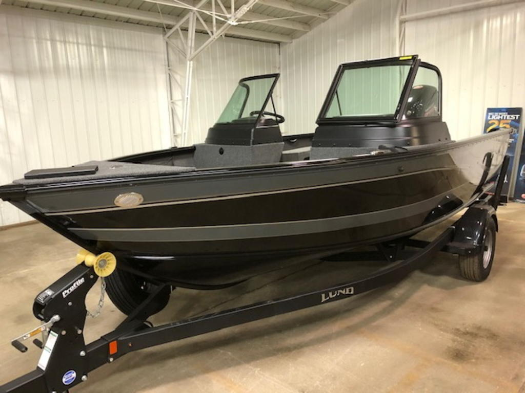 2021 Lund boat for sale, model of the boat is 1775 Impact XS & Image # 1 of 1