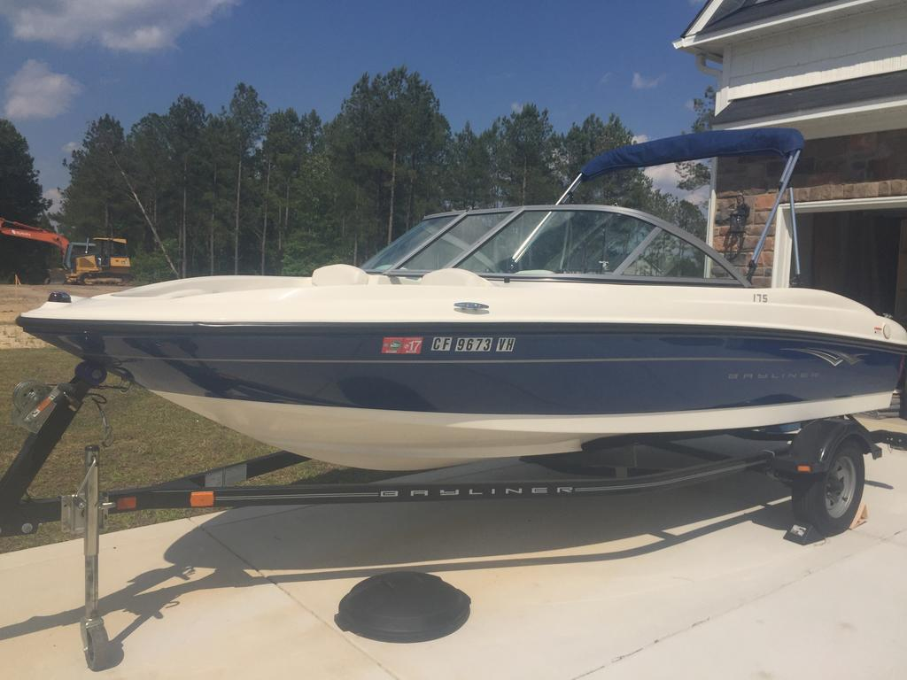 2010 Bayliner boat for sale, model of the boat is BR175 & Image # 4 of 4