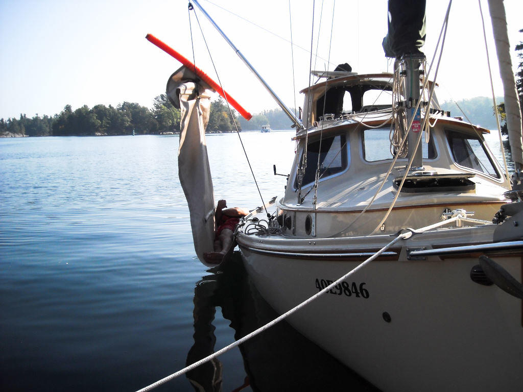 1989 Halman boat for sale, model of the boat is Bluejacket 23 MS Pilothouse & Image # 3 of 10
