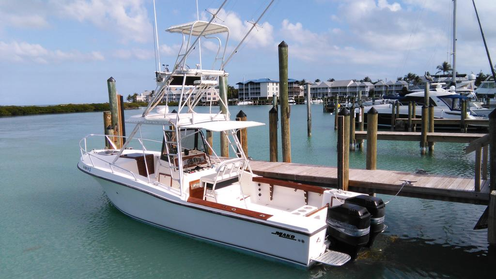 1985 Mako boat for sale, model of the boat is 284  CC Cuddy Cabin & Image # 1 of 15