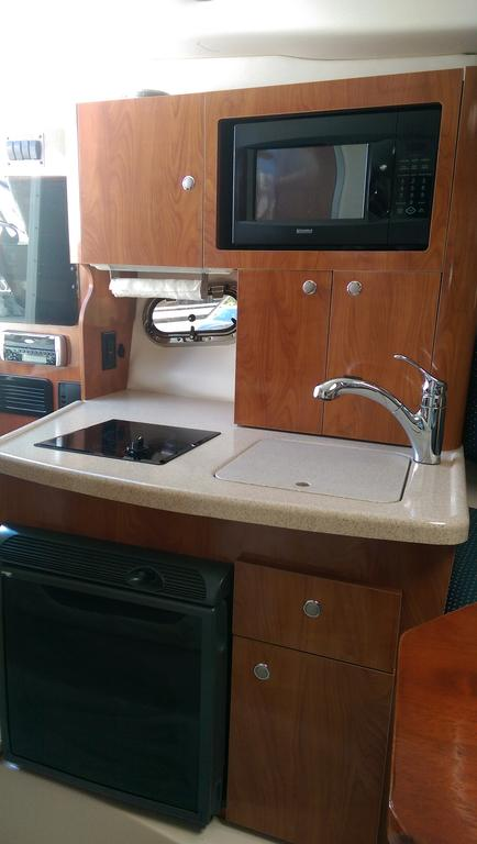 2004 Four Winns boat for sale, model of the boat is Vista 268 & Image # 12 of 14